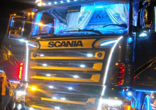 ACCONCIA-SCANIA-BLUE-SHARK-00-Medium.jpg