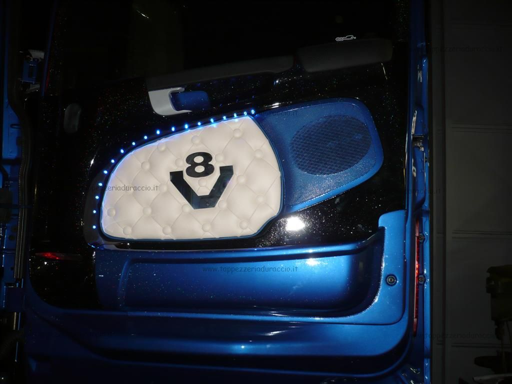 Scania R 620 Blue Shark Juri Tappezzeria Duraccio