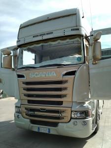 FORASTEFANO-SCANIA-R-560-1.jpg